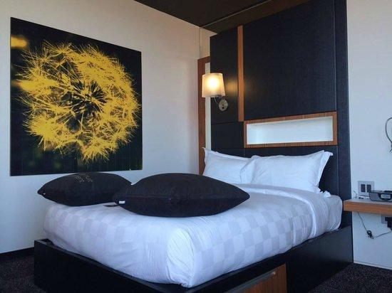 ALT Hotel Quartier DIX30 : Chambre