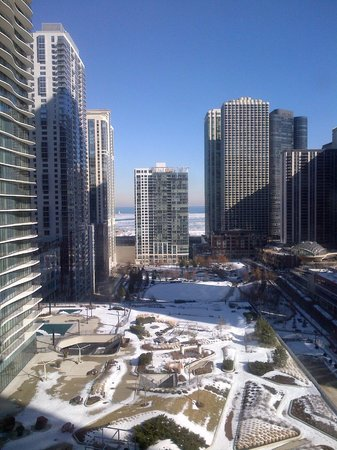 Fairmont Chicago Millennium Park : from the 12th floor
