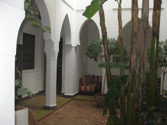 Riad Les Bougainvilliers: Cour intérieure
