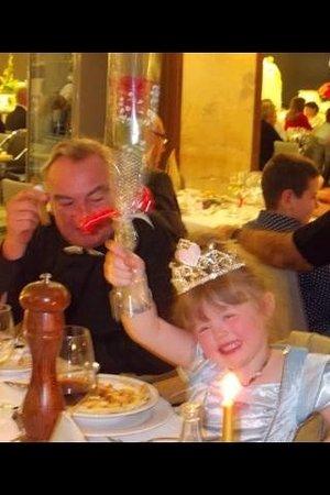 Gloria Palace San Agustín Thalasso & Hotel : Darling Scarlett and Bampy enjoying the Gala Dinner.