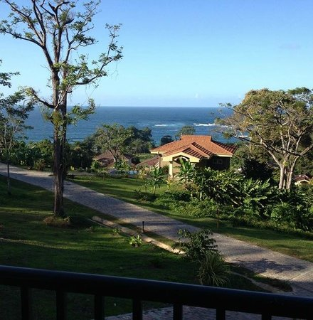 Red Frog Beach Island Resort & Spa : View from villa