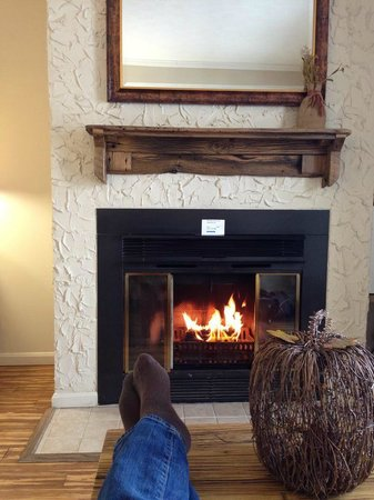 LakeStar Lodge: Relaxing and warm!