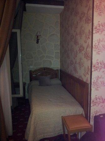 Familia Hotel: третья кровать