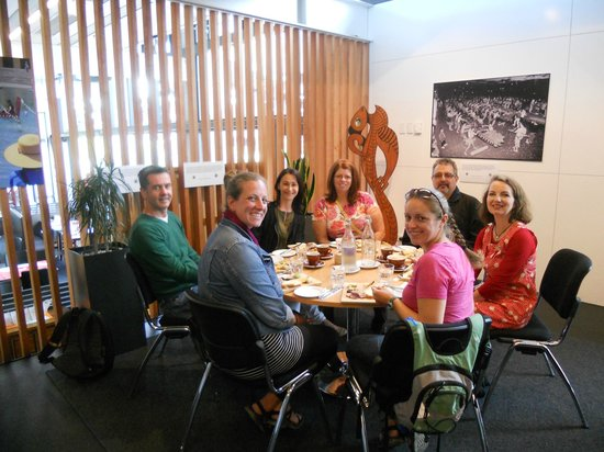 Zest Food Tours of New Zealand: Our nice and small group. The tour guide was wonderful! 4 of us with another couple from Austral