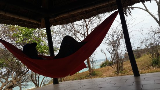 Protea Hotel by Marriott Dar es Salaam Amani Beach: Relaxing in the hammock
