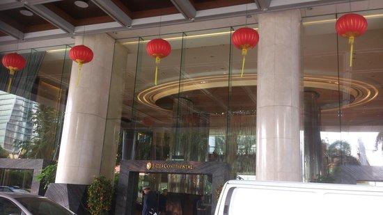 InterContinental Kuala Lumpur: Entrada al hotel