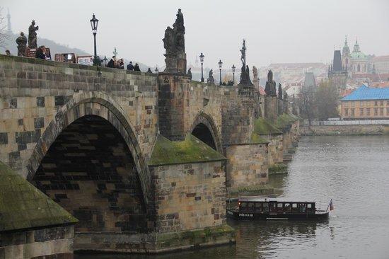 Most Karola (Karluv Most): :)