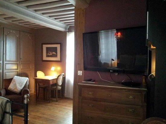 Chambre or grand cran plat et lecteur dvd biblioth que de dvd picture o - Maison de la bibliotheque ...