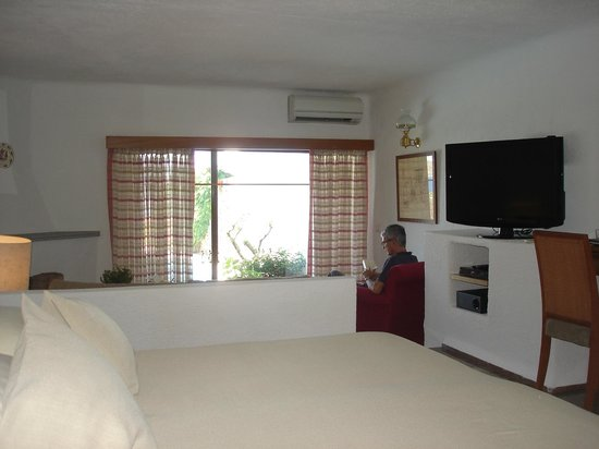 Elounda Mare Relais & Chateaux hotel: Villa 2028 interior at Elounda Mare