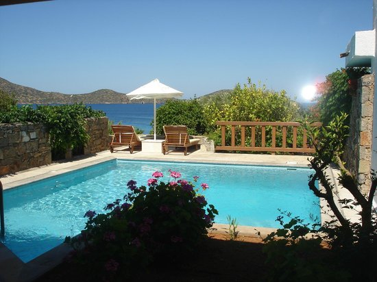 Elounda Mare Relais & Chateaux hotel: View of Villa 2028 private pool at Elounda Mare