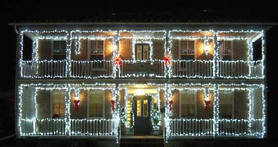 Patchwork Inn: Inn Christmas