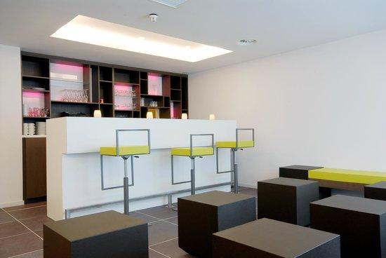 Corsendonk Viane Apartments: Bar