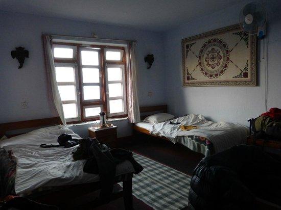 Gurkha Inn Village Hotel: Habitación
