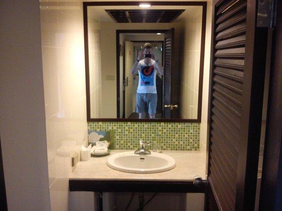 Astera Sathorn : lavabo
