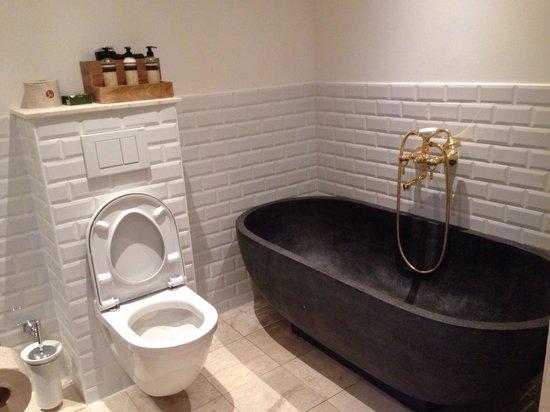 Babette Guldsmeden - Guldsmeden Hotels : BathroomA