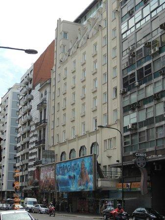 Broadway Hotel & Suites: fachada