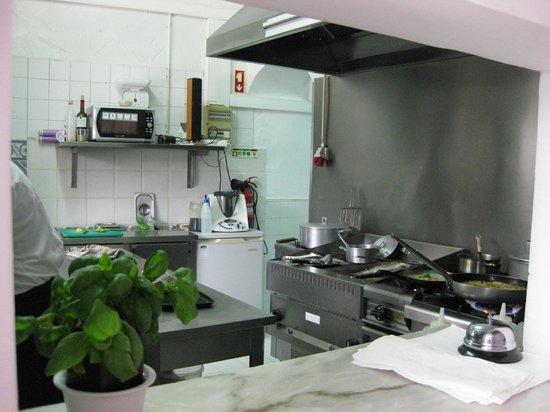 O Pescador Benagil: kitchen
