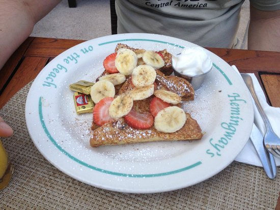 The Sands at Grace Bay: breakfast at Hemingways