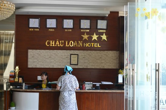 Chau Loan Hotel: ресепшн