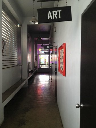 Pak-Up Hostel: corridor