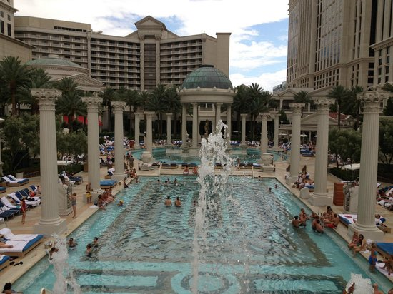 Swim up blackjack picture of caesars palace las vegas for Caesars swimming pool