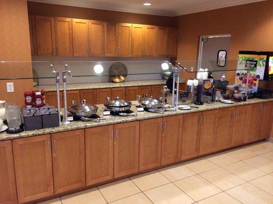 Residence Inn Cape Canaveral Cocoa Beach : Breakfast bar