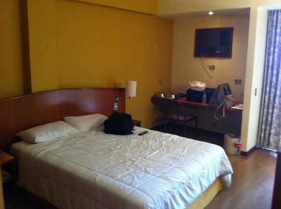 Hotel Moncloa : Quarto vista 1