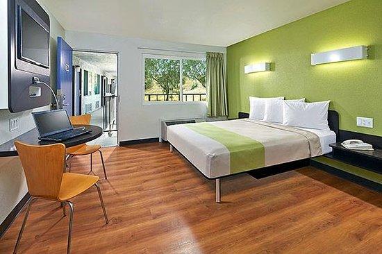 Motel 6 Redlands: MSingle