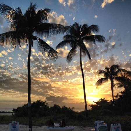 Hilton Barbados Resort: Sunset from the outdoor bar