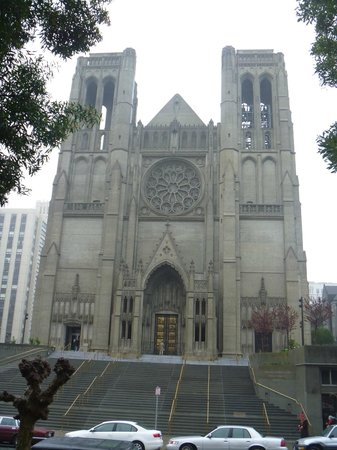 Grace Cathedral: 正面