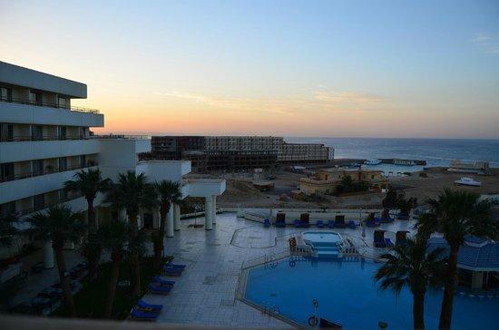 Hilton Hurghada Plaza: Вид с балкона