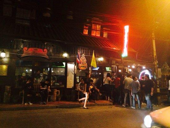 The Riverside : Friday night