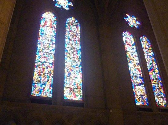 Grace Cathedral: ステンドグラス