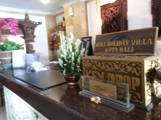 Wina Holiday Villa Hotel: Reception