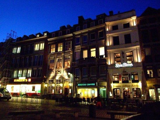 Zum goldenen Einhorn: On the old Market Square - Einhorn on the left.
