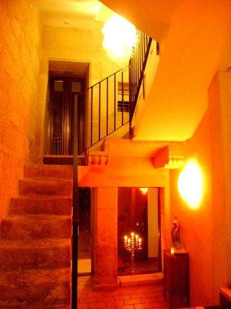 El Baciyelmo: Eingang und Flur