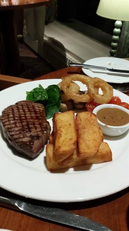 Somerville Hotel: Great steak and chips