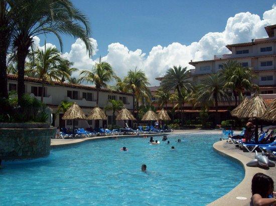 Isla Caribe Beach Hotel : piscina 2