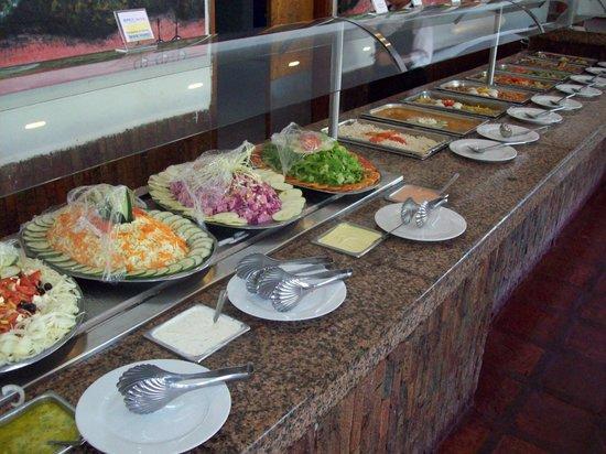 Isla Caribe Beach Hotel : buffet almuerzo