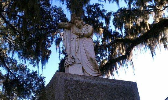 Bonaventure Cemetery: Headstone