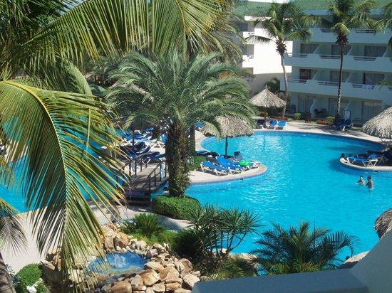 Isla Caribe Beach Hotel : piscina area real