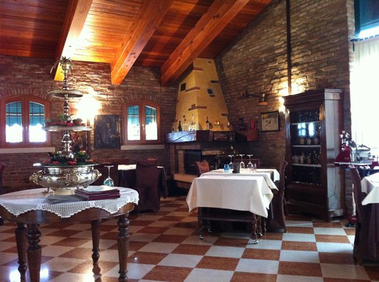 Villa Bartolomea, Italia: Il caminetto