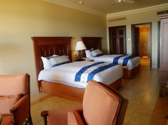 Pueblo Bonito Sunset Beach Golf & Spa Resort : second bedroom