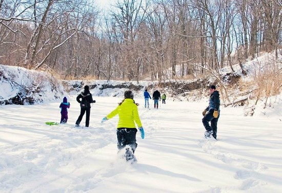 BentRiver Outfitter : Snowshoe river hike