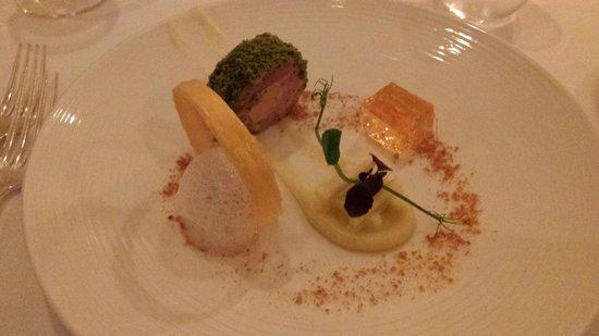 Ocean Restaurant: Ballotine of pork, foie gras, scallop, cider jelly and apple salad