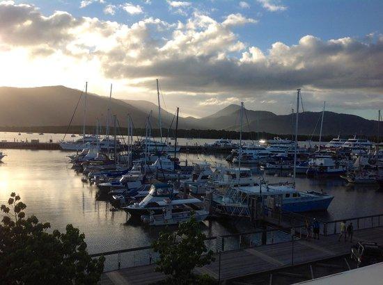 Shangri-La Hotel, The Marina, Cairns : Linda vista desde la habitacion