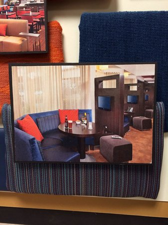 Courtyard by Marriott Kansas City/ East Blue Springs: Lobby renovations will be completed by the beginning of April 2014!