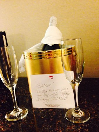 Hotel Metro: A thoughtful touch, complimentary Cava on arrival!