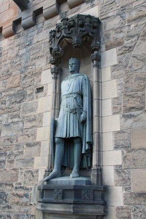 Edinburgh Castle: Detalhe da porta principal.