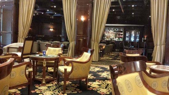The Ritz-Carlton, Berlin : bar do hotel